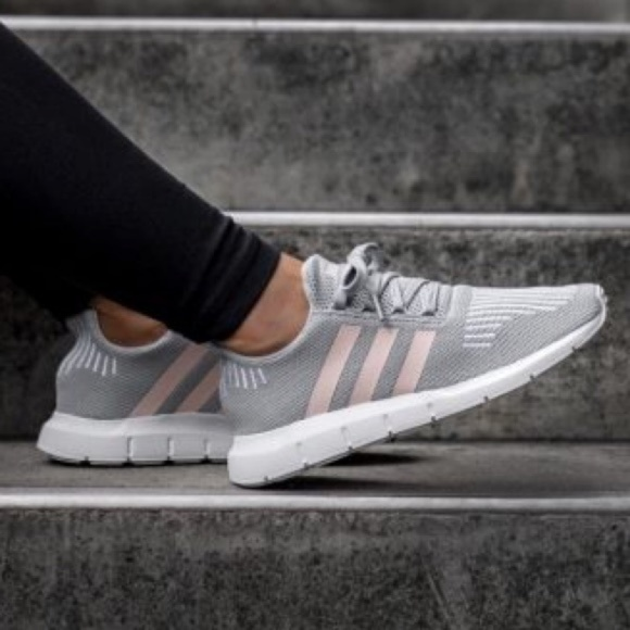 adidas swift run sneaker pink